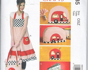McCalls 347 or 6935 Crafts Apron Potholders Napkins Rings Placemats Soft Cooler Toaster Cover Sewing Pattern UNCUT