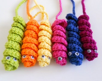 Bookworms in crochet, party favor - Set of 6 in bright colors