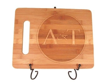Personalized Engraved Wooden Cutting Board - Round Logo Design - Foodie Gift - Hostess Gift