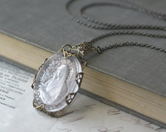 Mona Lisa necklace cameo intaglio vintage glass brass filigree wrap antique style Da Vinci Italian renaissance long