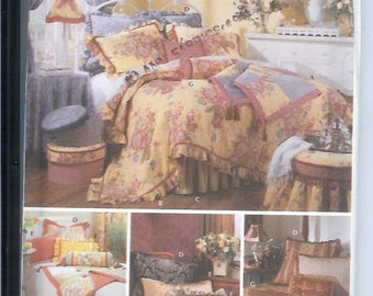 Simplicity Throw Comforter Dust Ruffle Pillow Shams  Showhouse Bedding Sewing Pattern   Instructions 5061   Interiors   UNCUT