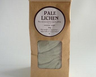 Grey green merino roving, 25g  (1oz) 'Pale Lichen', merino roving, UK needle felting, felting wool, needle felt wool, needle felt supplies