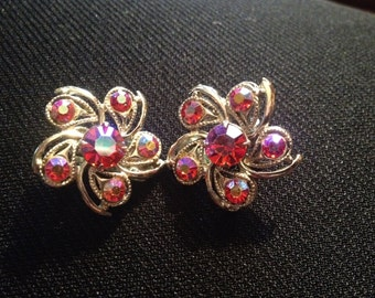 Very Pretty Vintage 1950's Era Iridescent Floral Rhinestones Clip On Earrings