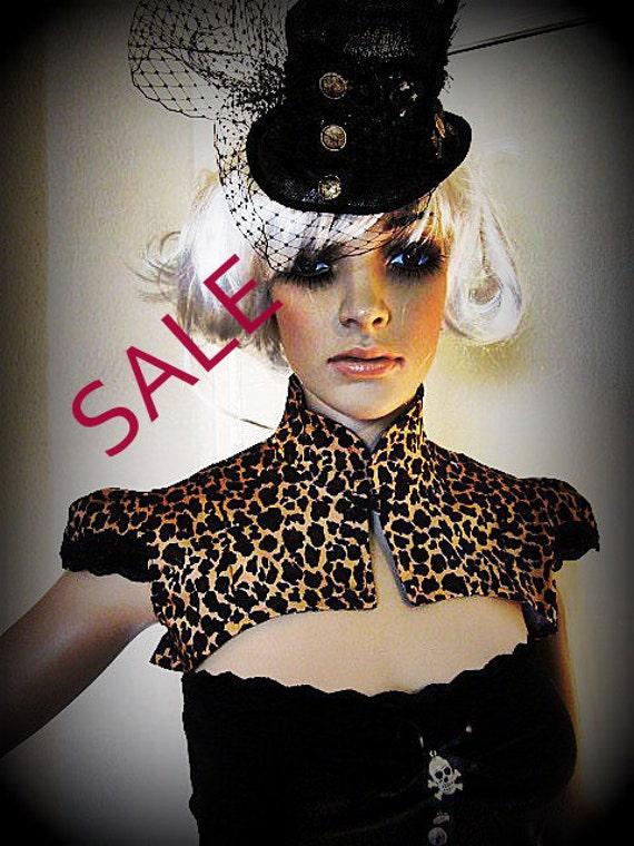 Sale LAST ONE  Leopard print shrug