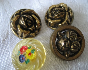 Lot of  4 VINTAGE Metalized & Plastic Flower BUTTONS