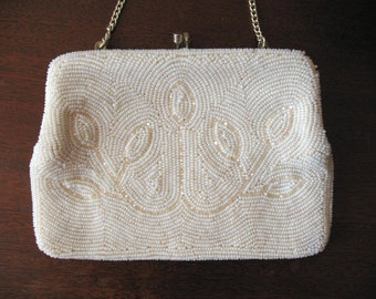 Beaded Leaves | Vintage 1960s White Beaded Purse with Chain Handle and Kiss Lock Bridal Wedding