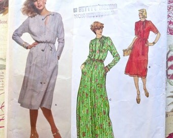 Vintage 1970s Teal Triana Dress Pattern in Two Lengths - Vogue 1705