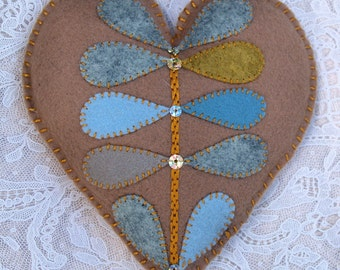 Sachet - Wool Felt Heart Sachet Filled With Lavender In Natural Muted Colors (SF214)