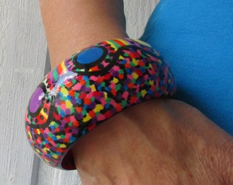 Bracelet Wood bangle vintage recycled hand painted complemented with colorful bohemian plastic green and blue jewelry