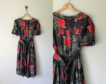Vintage HANDMADE Dress • 1970s Clothing • Midi Calf Length Short Sleeve Shirtdress •Belted Black Red Rose Green Floral Print •Women Large