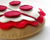 Wool Felt Play Food Pizza with Pepperoni Toy