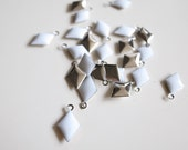 50 pcs of diamond shape hand cast poly resin drop in white on steel tone plating brass base 12.5x7.5 mm