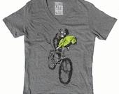 Animal T-Shirt in V-Neck Unisex Heather Grey
