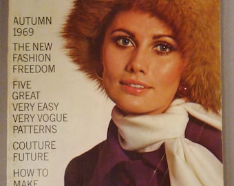 Vintage VOGUE Pattern Book Fashion AUGUST SEPTEMBER 1969  Rare great Condition