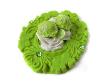 Key Lime Ice Cream Cameo Cabochon - 1 pc Destash