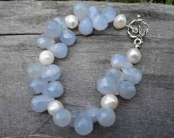 Chalcedony and Fresh Water Pearl Bracelet