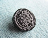 SUPER CUTE PROMO : Cookie Cream Sandwich Brooch