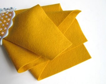 Gold Wool Felt, Pure Merino, Large Felt Square, Wool Felt Sheet, 1mm Thick, Felt Fabric, Nonwoven Felt, Penny Rug Supply, Felt Flowers