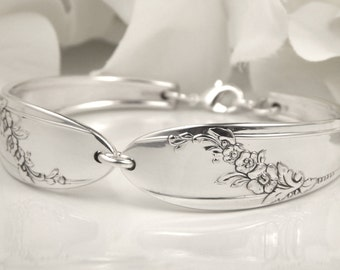Spoon Bracelet, Spoon Jewelry, Silverware Bracelet - 1946 Queen Bess