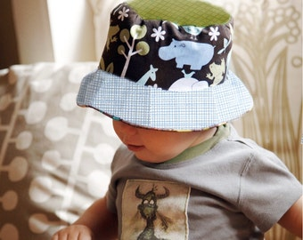 Bucket Sun Hat for Boys, Beach Wear, with Dinosaurs and Animals, Reversible