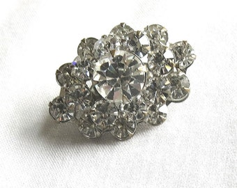 Vintage Clear Rhinestones Collar Pin
