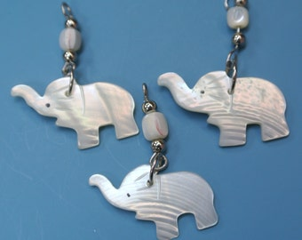 Lot of 10 rare vintage 1970s carwed mother of pearl MOP elephant charms/ pendants for your jewelryprodjects