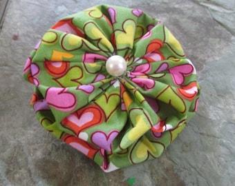 Double Yoyo Barrette in Green with Valentine Hearts