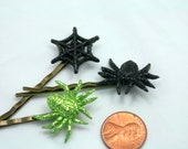 Itty Bitty Lime Green Spider n Web Sparkling Bobby Pin Set No Tricks just Treats