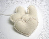 Say I Love You with White Beaded Heart Wedding Decor Valentine Decoration Valentines Day Gift Valentine Hearts Wool Felt Ornament 406