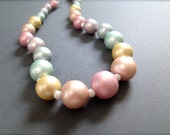 Vintage Pastel Beaded Necklace. Graduated Beads. Lightweight. 1980s. Choker. Spring. Under 25 Gifts for Her. Unique Beaded Jewelry.
