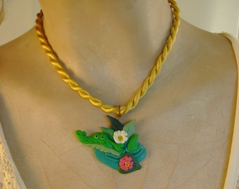 Cutest Ever Vintage Tigre Lis Clay Wearable Art Green Smirky Alligator on Leaves Pendant Necklace