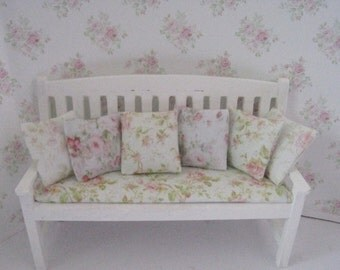 Dollhouse bench, white bench  Country bench, Romantic bench white, rose bouquets, rosebud pillows, Twelfth scale, dollhouse miniature