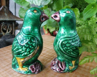 Green PARROT Salt and Pepper Shakers Enamel on Metal Chinese