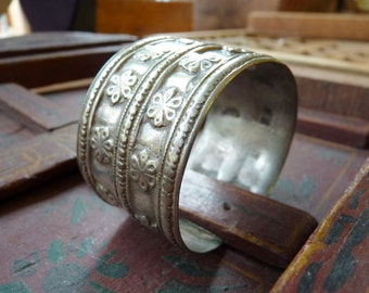 Antique Pashtun Silver Cuff with Flower Detailing