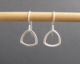 small triangle earrings. sterling silver triangles. little dangles. tiny drop earrings. dainty everyday earrings. simple geometric jewelry.