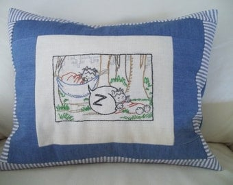 "Embroidered Pillow Cover 12"" x 16"" Kitschy Hobo Cats"