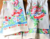 HIGH and DRY Kitchen Towels / Linen / Dish Glass Towels /  Cottage Chic / Retro Kitchen / Fruit and Florals / Red Blue and Green