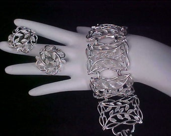 reduced~ Vintage Link Chunky BRACELET & Matching Clip EARRINGS - Silver Plate Demi Parure