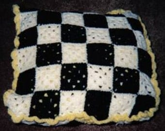 Crocheted Black-Yellow and White Checkerboard Like- Quillo-Like Afghan Pattern!