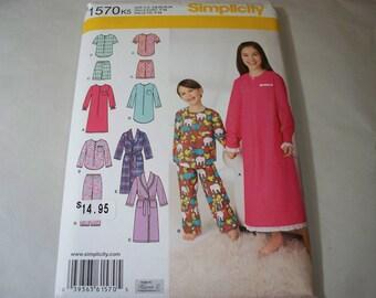 New Simplicity Childs' Sleepwear Pattern, 1570  (K5)(7-8-9-10-12-14)  (Free US Shipping)