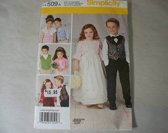 New Simplicity Childs'  Vest and Bolero Pattern 1509 (Free US Shipping)
