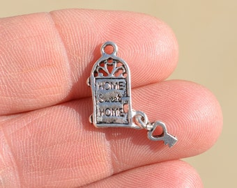 """5  Silver House with a key """"Home Sweet Home"""" Charms SC2089"""