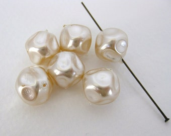 Vintage Czech Bead Glass Pearl Ivory Baroque 12mm vgp0532 (6)