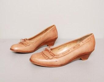 1970s Heels - Fawn Brown Leather Kiltie Wedge Heels - Size 6.5