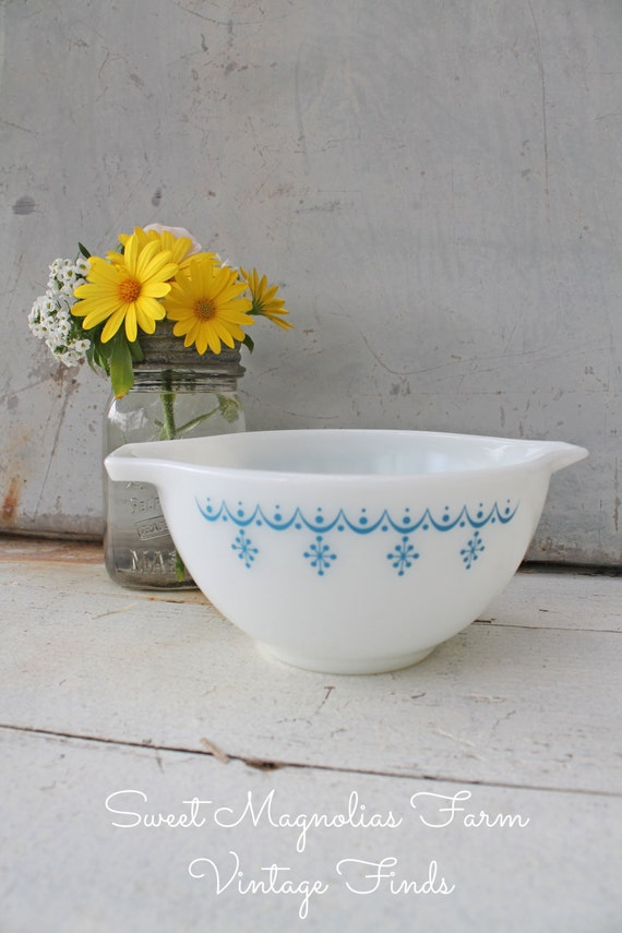 Vintage 1950s Pyrex Snowflake - Blue Cinderella - Mixing Bowl  - Milk Glass - Blue and White - Farmhouse Kitschy Chic