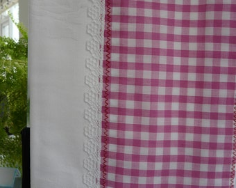 White and pink tea checks towel