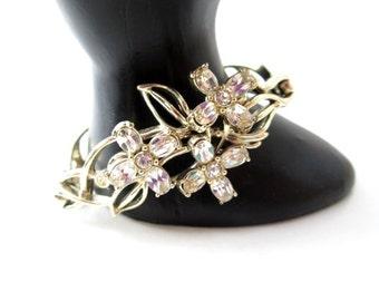 Stunning Vintage Signed Kramer Gold Tone Metal Clear Rhinestone Floral/Flower Bracelet