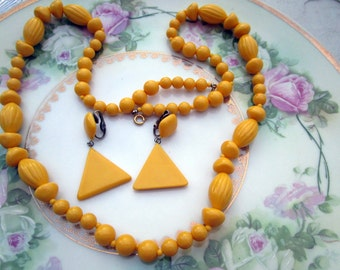 Vintage Beaded Necklace with Triangle earrings lucite yellow beads
