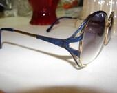 On Sale Now ! ! ! Tura Navy Blue Sunglasses Womens MOD825 Nav136 Vintage