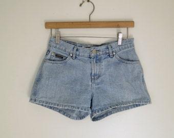BLUE ASPHALT //  high waisted 90s denim shorts S / M